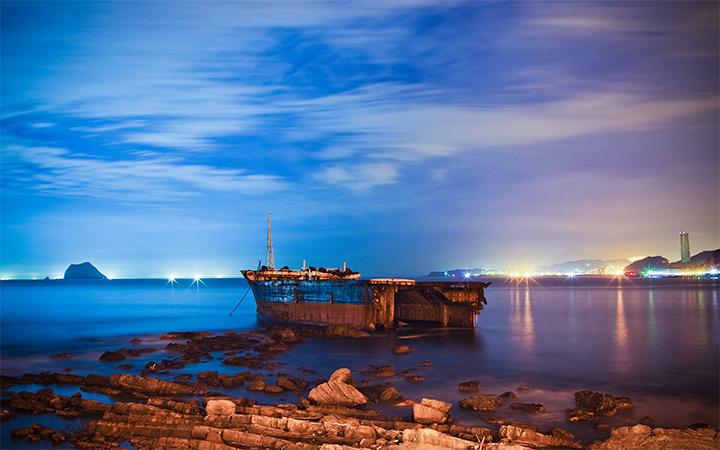 taiwan ocean wrecked boat ocean