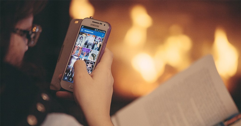 instagram user smartphone